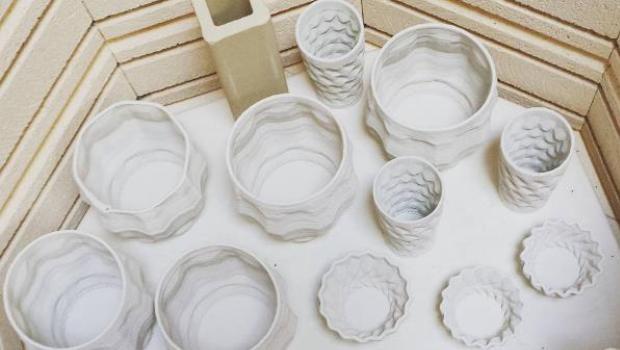 see-how-artist-heather-kegel-creates-stunning-3d-printed-porcelain-ceramics-4